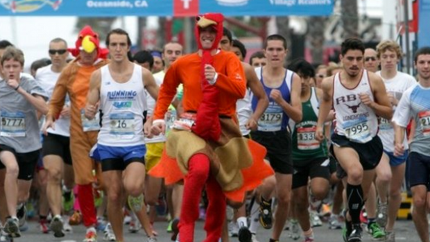 Runners hit streets before table at Lansing Turkey Trot